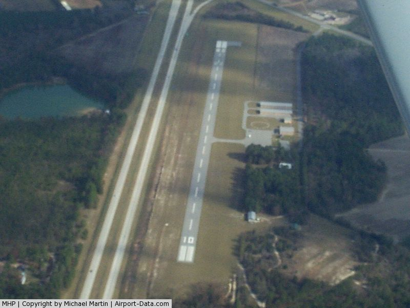 Metter Municipal Airport (MHP) - Metter Muni Airprt - Don't confuse the Interstate for the runway!