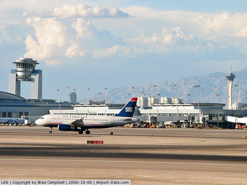 Mc Carran International Airport (LAS) - McCarran's ATCT and the Stratosphere