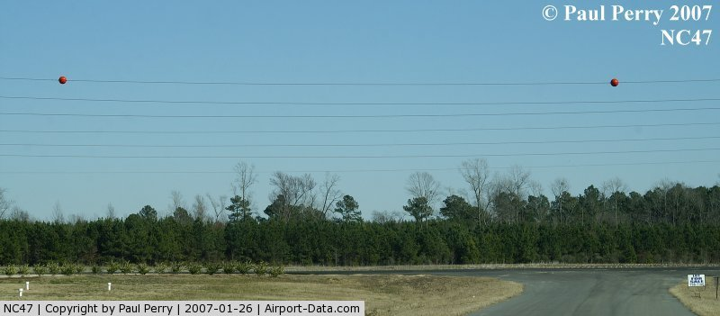 Paradox Heliport (NC47) - Ah, yes; the orange balls to alert pilots to the power lines