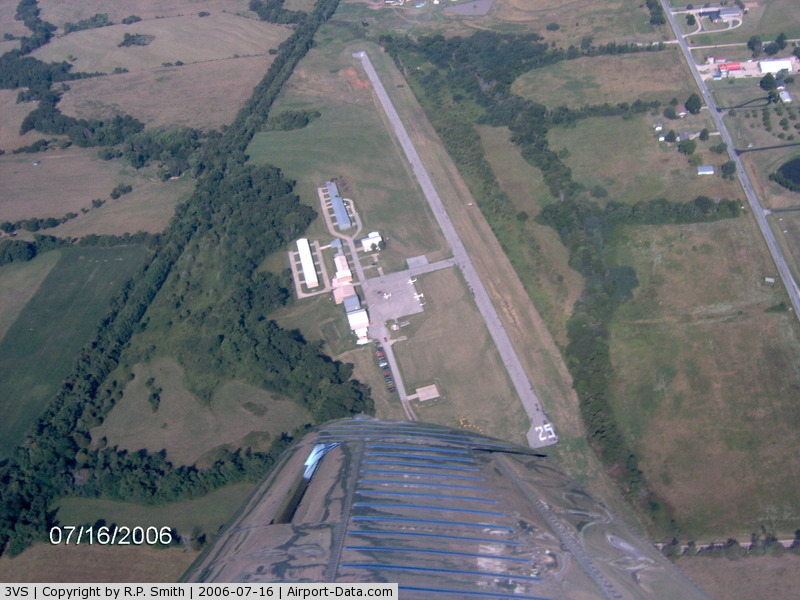 Roy Otten Memorial Airfield Airport (3VS) - Westerly View