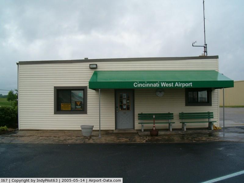 Cincinnati West Airport (I67) - FBO building