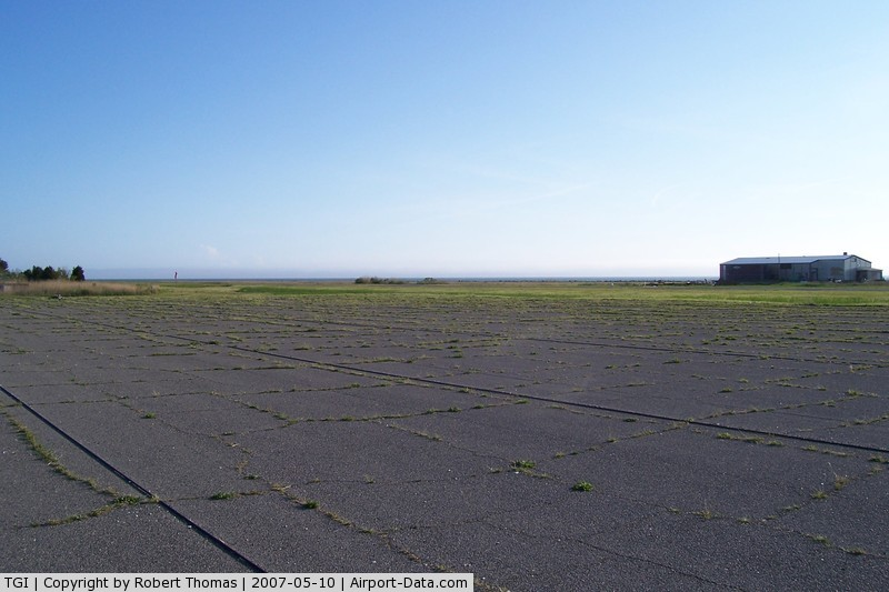 Tangier Island Airport (TGI) - Parking lot, cables to tie down to, grass can be slop, watch for geese