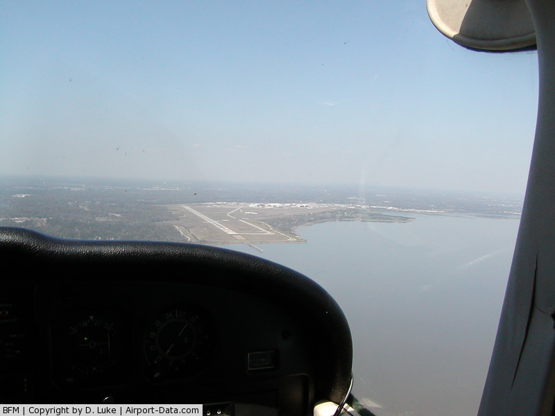 Mobile Downtown Airport (BFM) - Approaching from SE