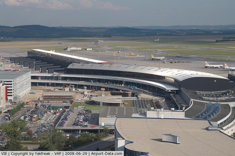 Aeroporto Vienna : Vienna international airport austria vie photo
