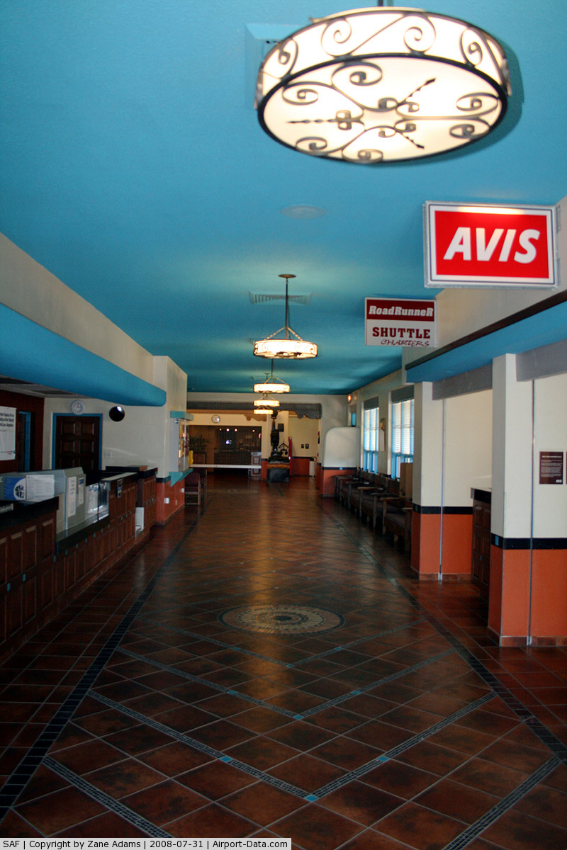 Santa Fe Municipal Airport (SAF) - Santa Fe Municipal - Tickets and car rental
