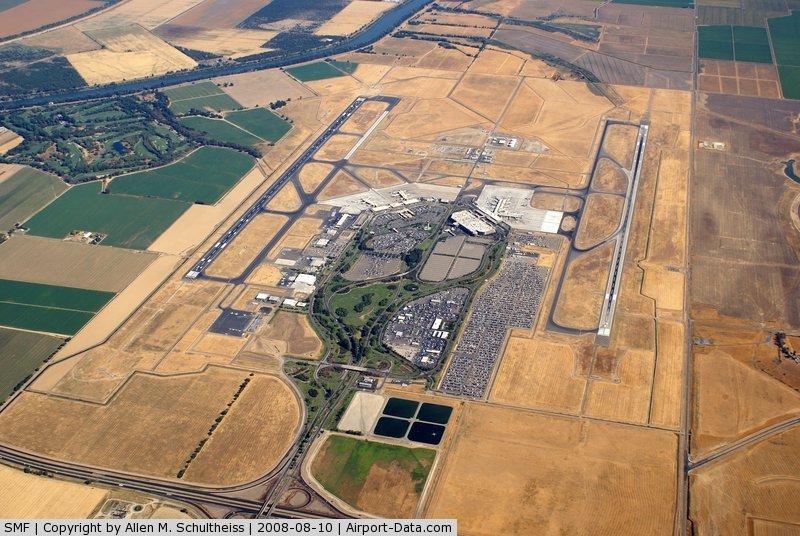 Sacramento International Airport (SMF) - Sacramento International