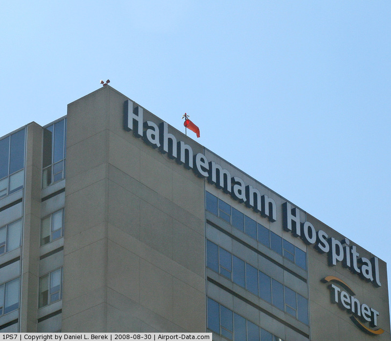 Hahnemann Heliport (1PS7) - Hanemann Hospital is one of several in downtown Philly with a heliport.