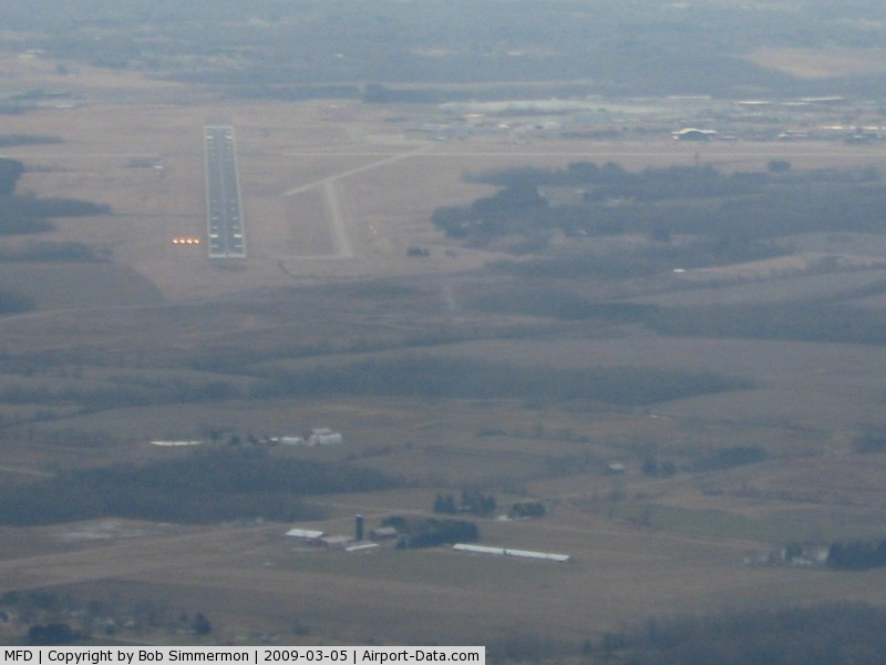 Mansfield Lahm Regional Airport (MFD) - Six miles out, below the glideslope for RWY 14 at Mansfield, Ohio