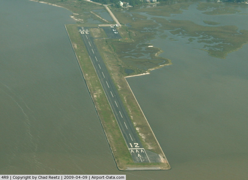 Dauphin Island Airport (4R9) - Touch & go @ 4R9 on way back to KMLU from KDTS