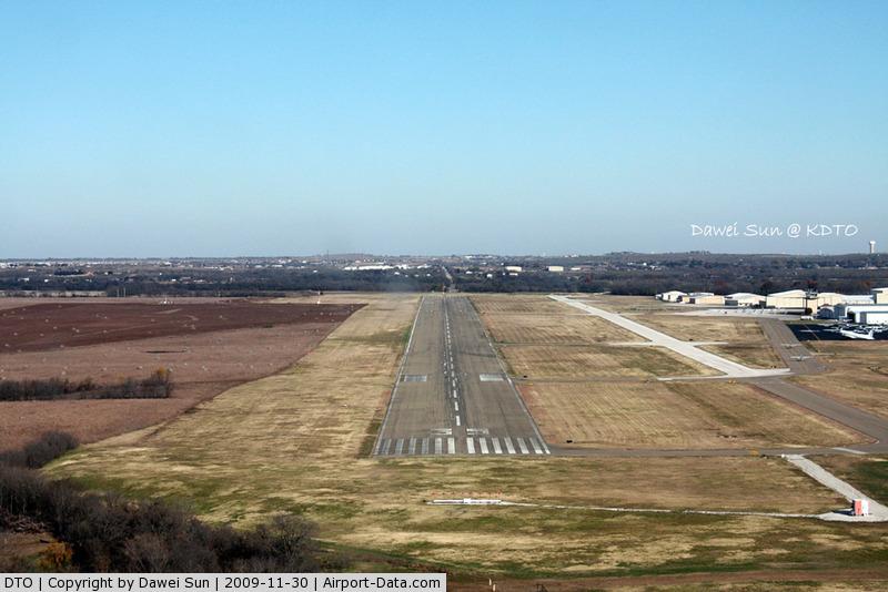 Denton Municipal Airport (DTO) - Denton Rwy 35