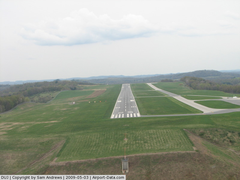 Dubois Regional Airport (DUJ) - Final for 25