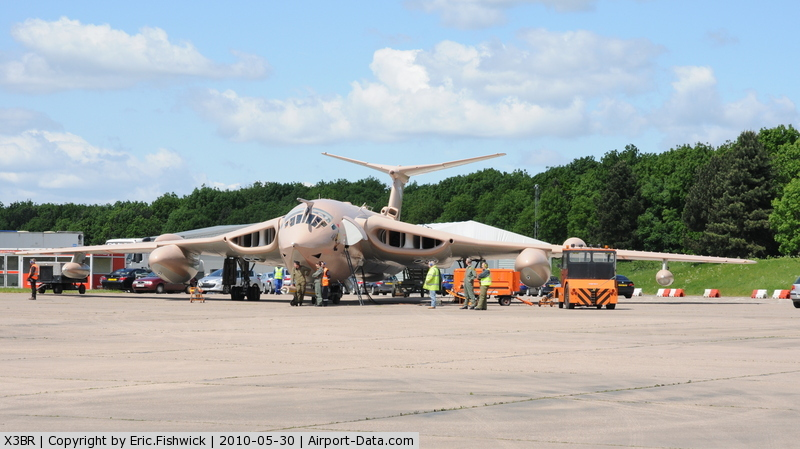 X3BR Airport - Handley Page Victor K.2 at Bruntingthorpe Cold War Jets Open Day - May 2010
