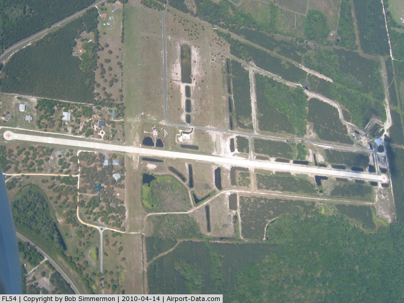 Flying Tiger Field Airport (FL54) - Looking east