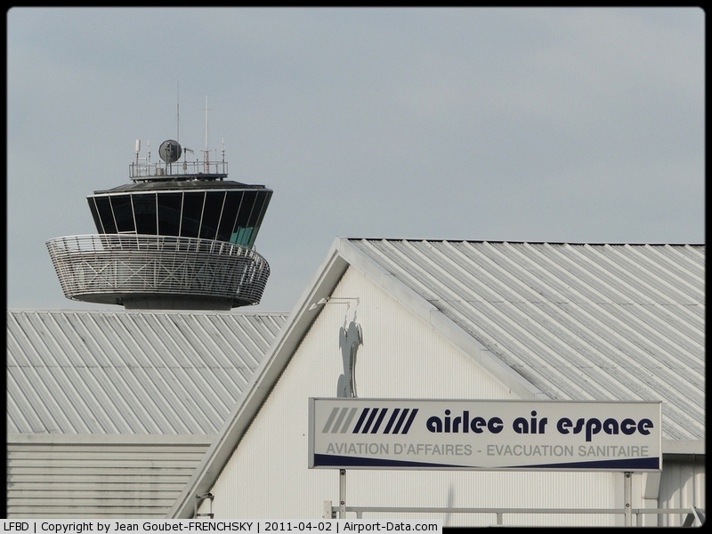 Bordeaux Airport, Merignac Airport France (LFBD) - AIRLEC AIR ESPACE