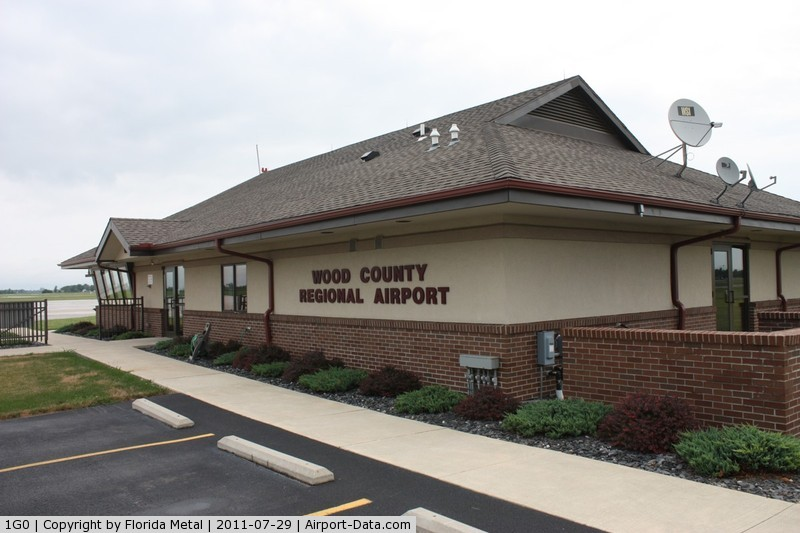 Wood County Airport (1G0) - Bowling Green OH