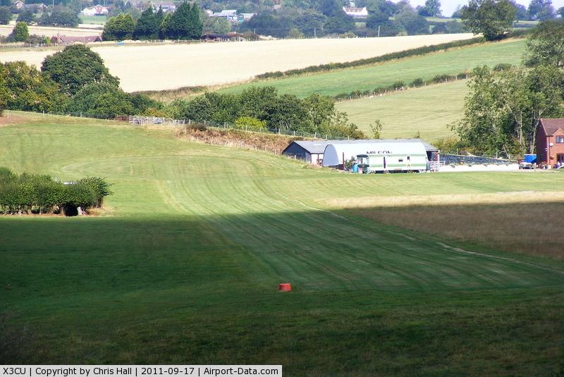 X3CU Airport - Milson Airstrip, Little Down Farm, Worcestershire