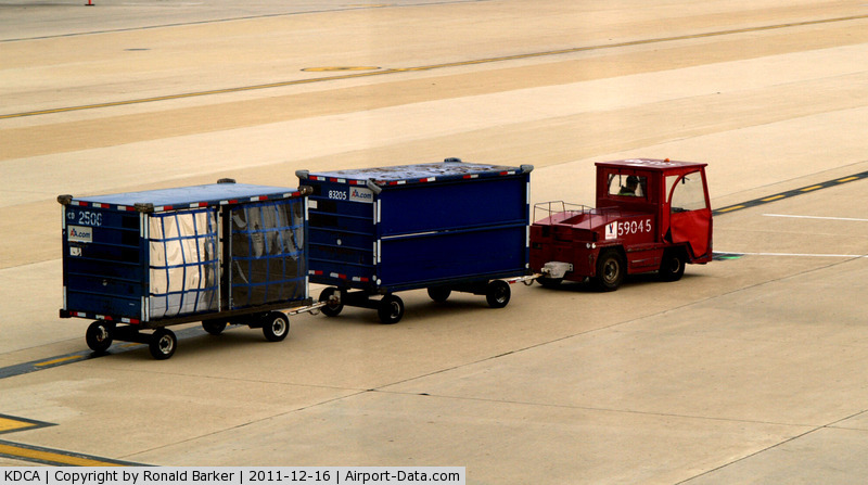 Airport Baggage Tugs http://www.airport-data.com/airport/photo/025126.html.html