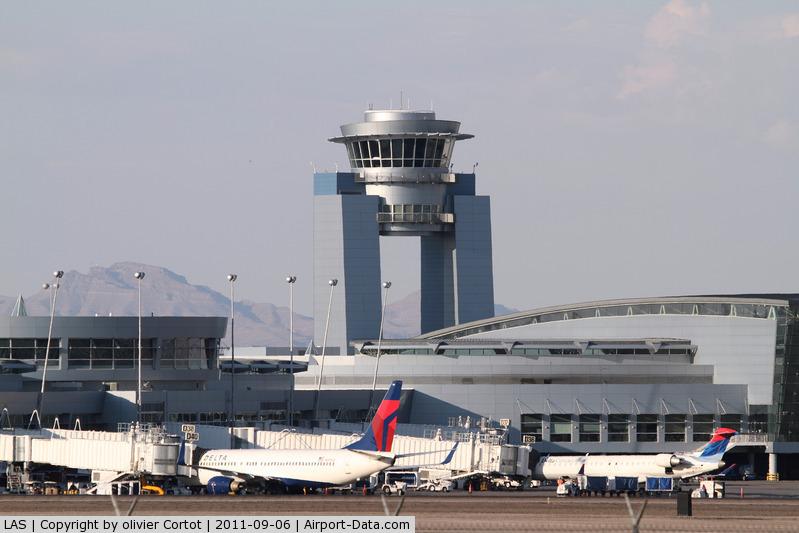 Mc Carran International Airport (LAS) - the tower