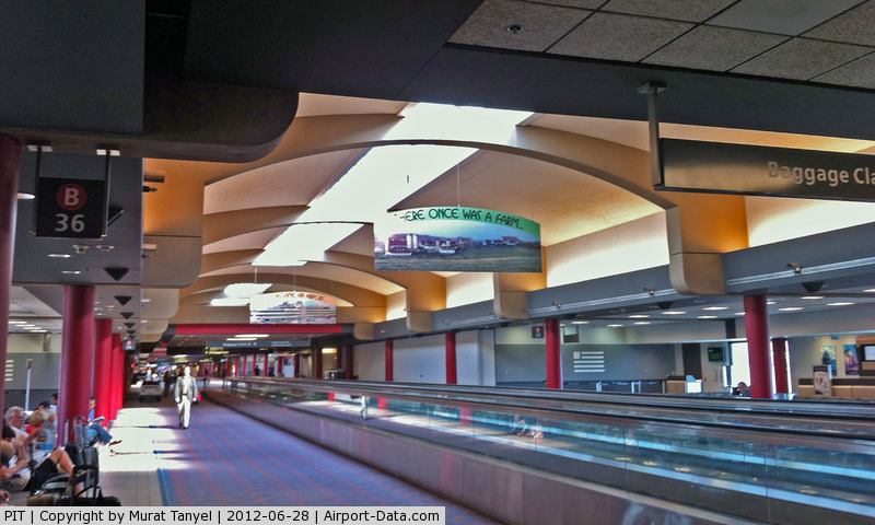 Pittsburgh International Airport (PIT) - Inside Concourse B