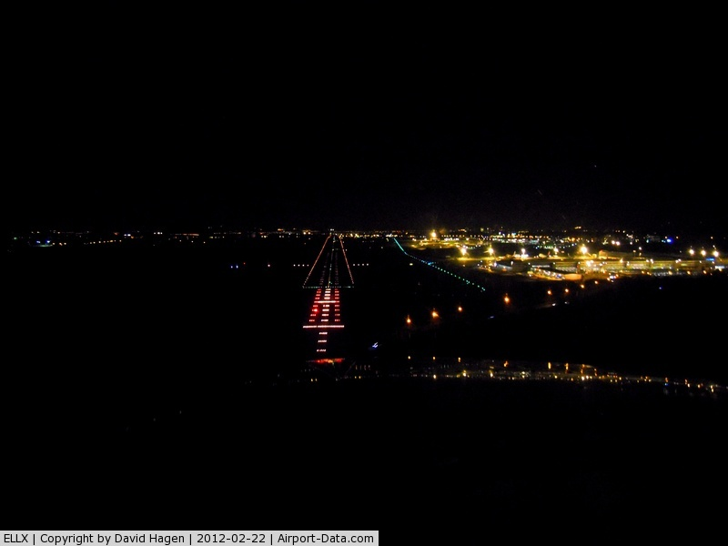 Luxembourg International Airport, Luxembourg Luxembourg (ELLX) - Final RWY 24