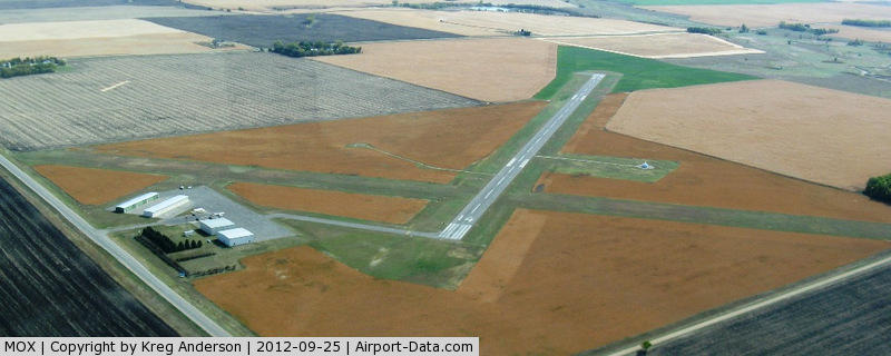 Morris Municipal - Charlie Schmidt Fld Airport (MOX) - Right before making downwind for runway 32 at Morris Municipal Airport - Charlie Schmidt Field in Morris, MN.
