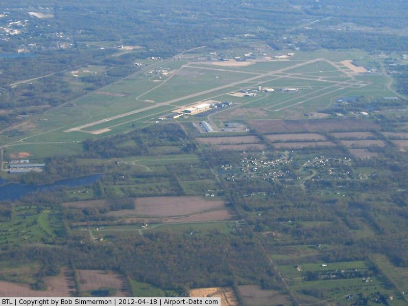 W K Kellogg Airport (BTL) - Looking north