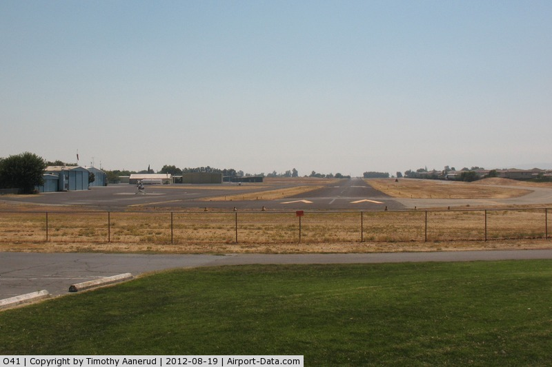 Watts-woodland Airport (O41) - View to the south near standing near T-37