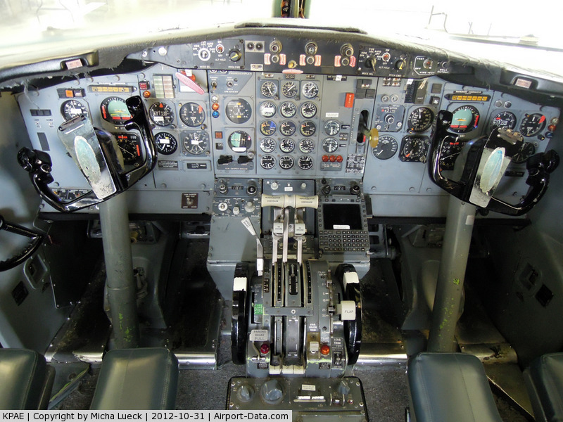 Snohomish County (paine Fld) Airport (PAE) - B 727 cockpit at the Future of Flight exhibition