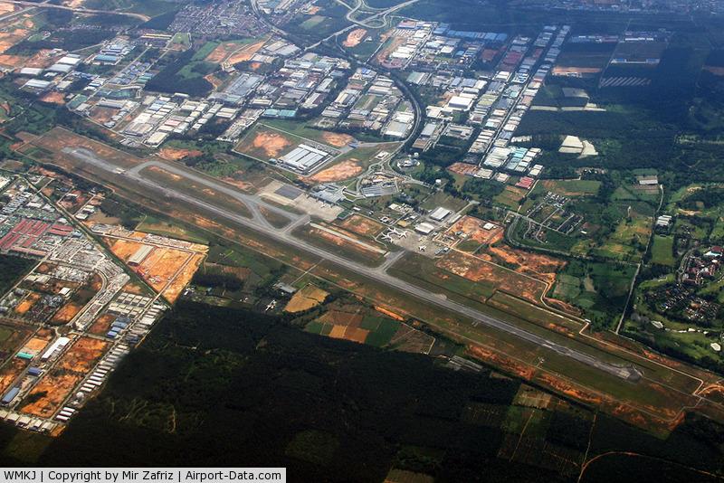Senai International Airport (Sultan Ismail Int'l), Senai / Johor Bahru, Johor Malaysia (WMKJ) - Senai overview