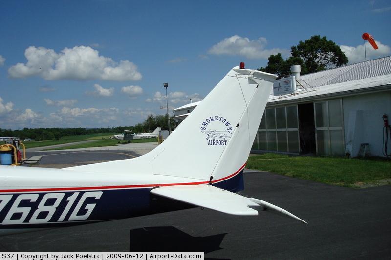 Smoketown Airport (S37) - smoketown airport