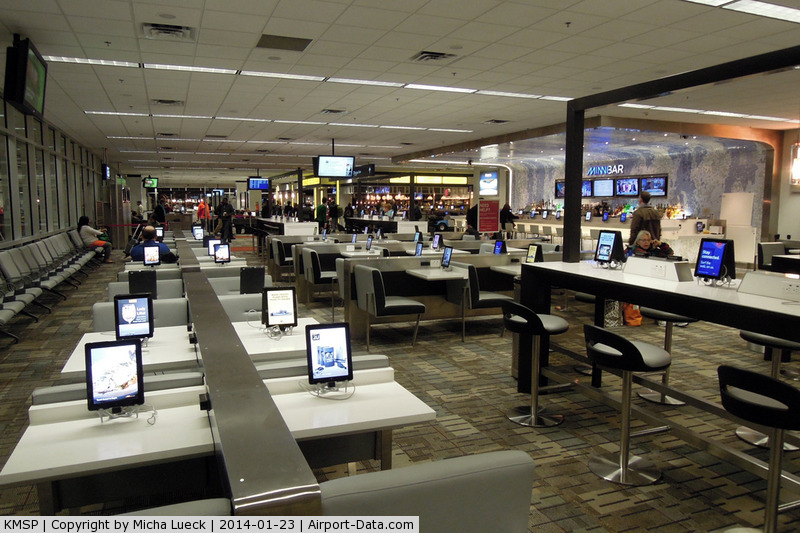 Minneapolis-st Paul Intl/wold-chamberlain Airport (MSP) - What a great terminal: Lots of iPads free to use (including free WiFi)!