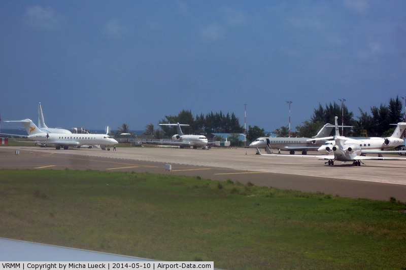 Malé International Airport, Hulhulé Island, North Malé Atoll Maldives (VRMM) - Business jets at Malé