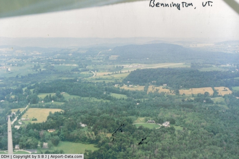 William H. Morse State Airport (DDH) - Picture taken on the 45 entry to the Bennington,Vt airport in 1989.The Bennington Battle Monument makes a great checkpoint.It is seen on the lower left.