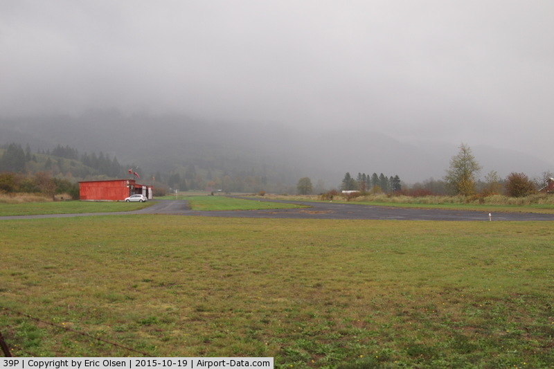 Strom Field Airport (39P) - Strom Field in Morton, WA. Hwy 12 is on the south side of the airport. Elevation is 950'