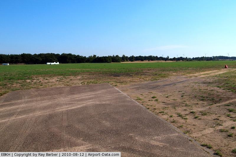 Balen-Keiheuvel Airport, Balen-Keiheuvel Belgium (EBKH) - Airfield Balen-Keiheuvel~00 (EBKH) 12/08/2010