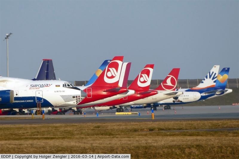 Leipzig/Halle Airport, Leipzig/Halle Germany (EDDP) - Rush hour on apron 1...