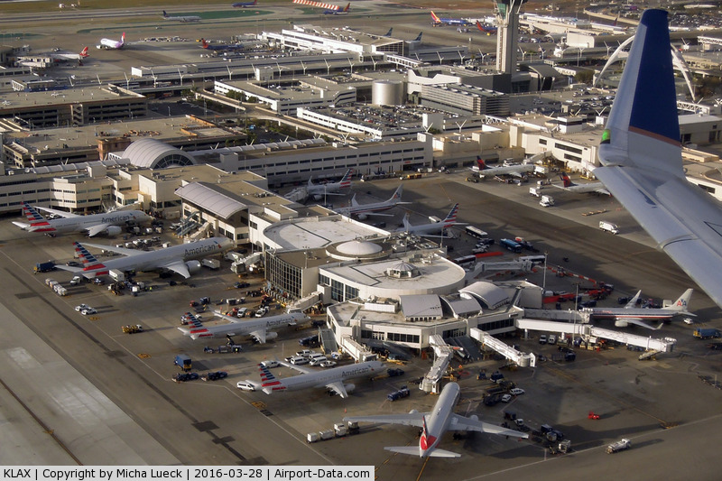 Los Angeles International Airport (LAX) - Almost all AA aircraft are now repainted