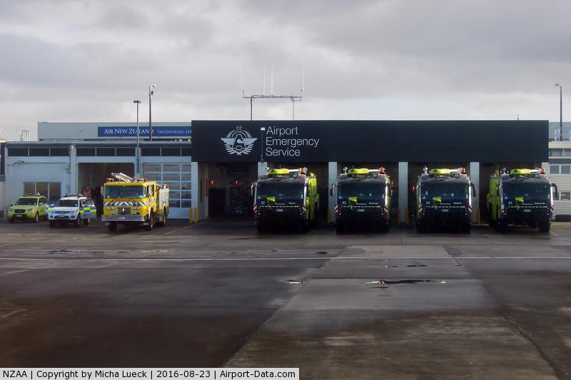 Auckland International Airport, Auckland New Zealand (NZAA) - Airport Emergency Service