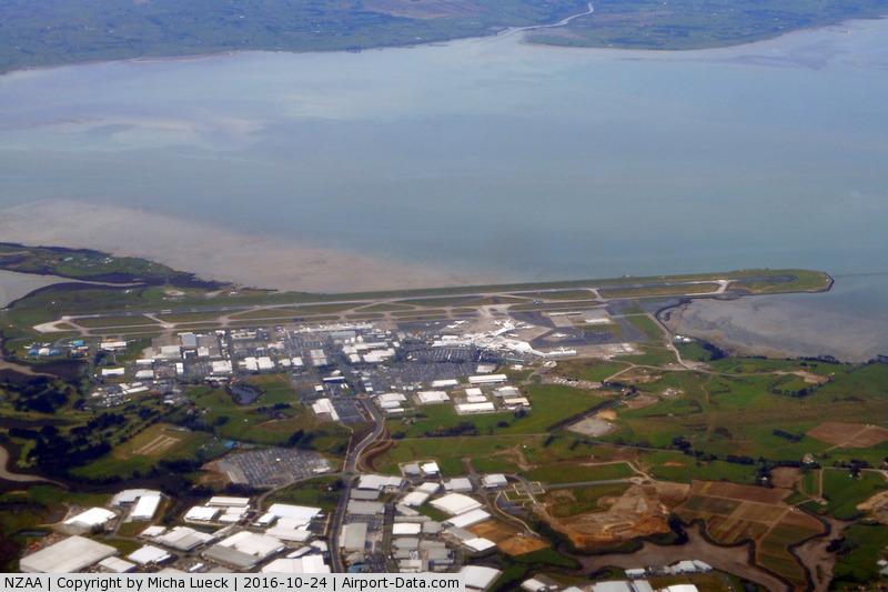 Auckland International Airport, Auckland New Zealand (NZAA) - Taken from ZK-OKM (AKL-SYD)