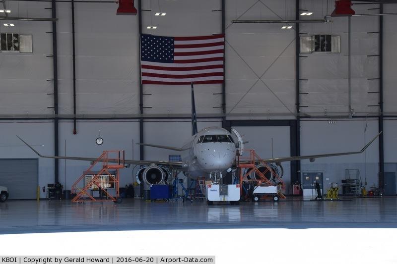 Boise Air Terminalgowen Fld Airport (BOI) Photo
