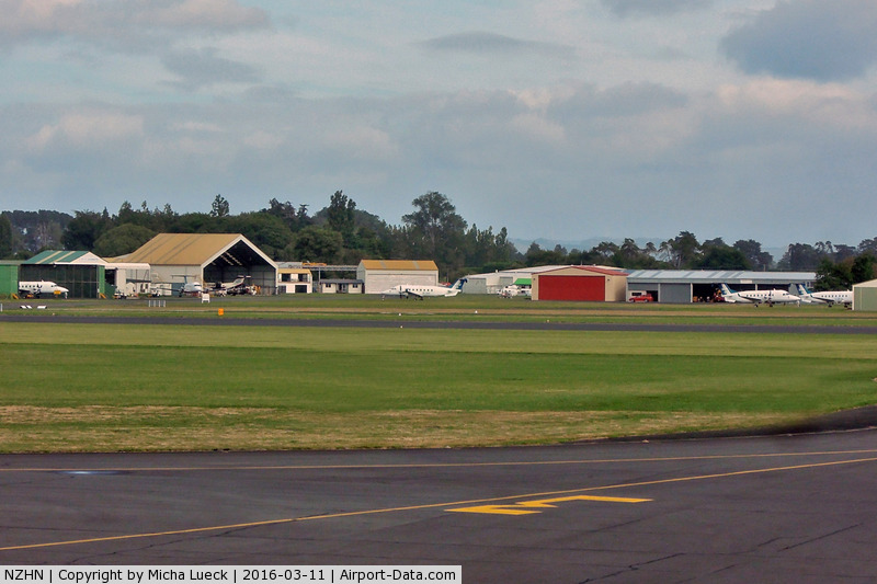 Hamilton International Airport, Hamilton New Zealand (NZHN) - In this picture are 5 Eagle Airways (Air New Zealand Link) Beech 1900Ds, being prepared for sale. I always liked the 1900s, and am sad they are gone now.