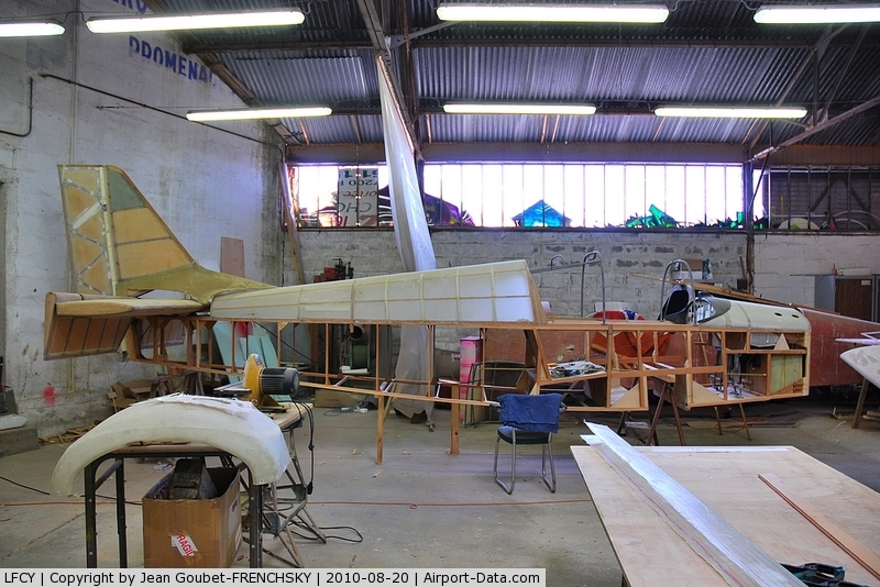 Royan Medis Airport, Royan France (LFCY) - association de constructeurs amateurs : l' ASERCAA