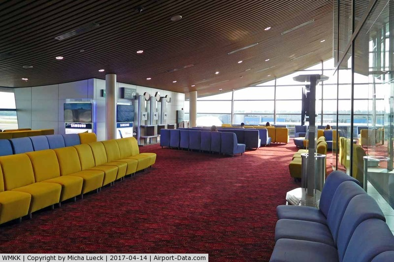 Kuala Lumpur International Airport, Sepang, Selangor Malaysia (WMKK) - Gate lounge for upper deck passengers (A380). Even the Y-passengers of the small upper deck cabin are allowed to use this lounge.