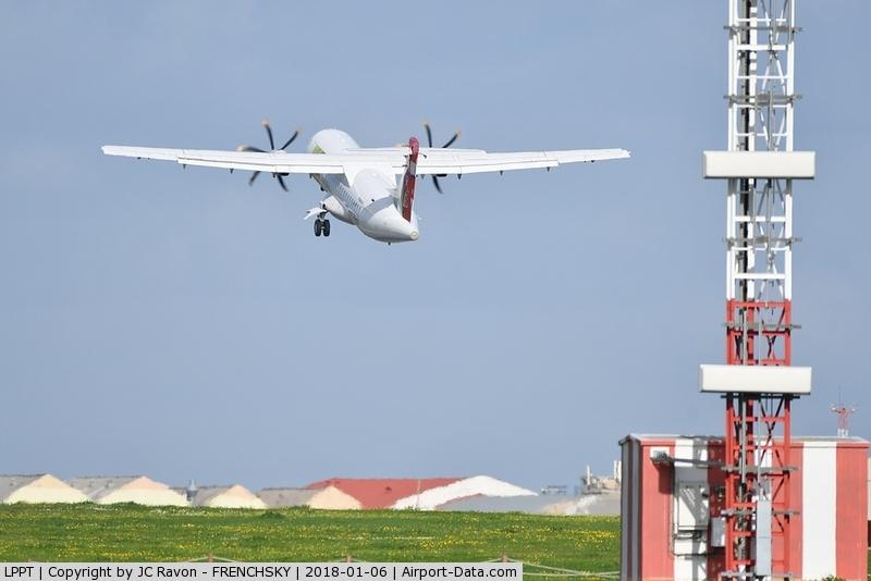Portela Airport (Lisbon Airport), Portela, Loures (serves Lisbon) Portugal (LPPT) - ILS runway 03