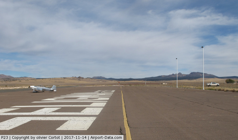Seligman Airport (P23) - the tarmac