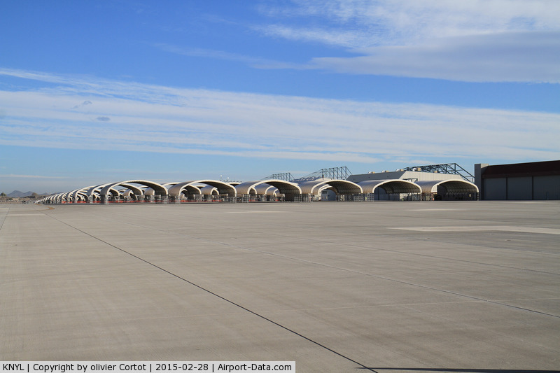 Yuma Mcas/yuma International Airport (NYL) - A lot of space...