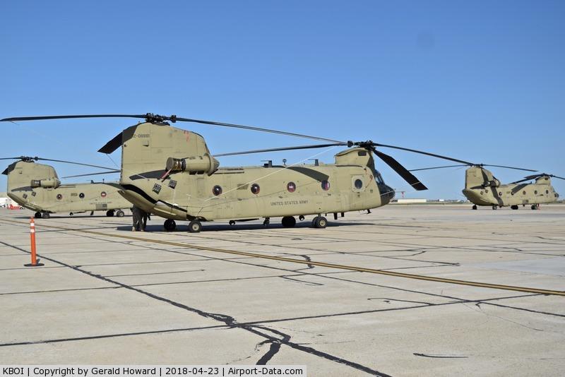 Boise Air Terminal/gowen Fld Airport (BOI) - CH-47Fs from B Co. 1-124 GSAB visiting from Washington.