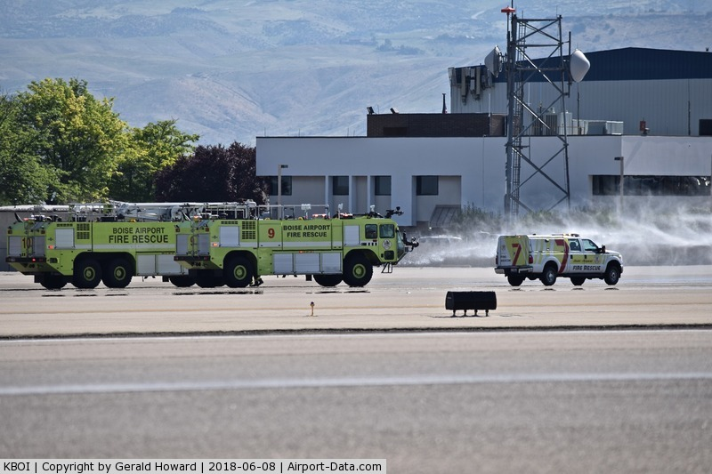 Boise Air Terminal/gowen Fld Airport (BOI) - ARFF units on a training test.