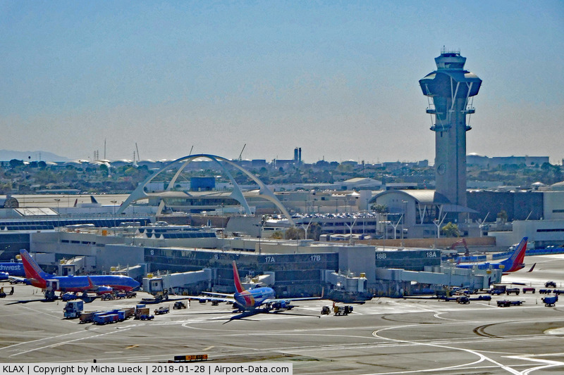 Los Angeles International Airport (LAX) - Taken from ZK-OKN (AKL-LAX)