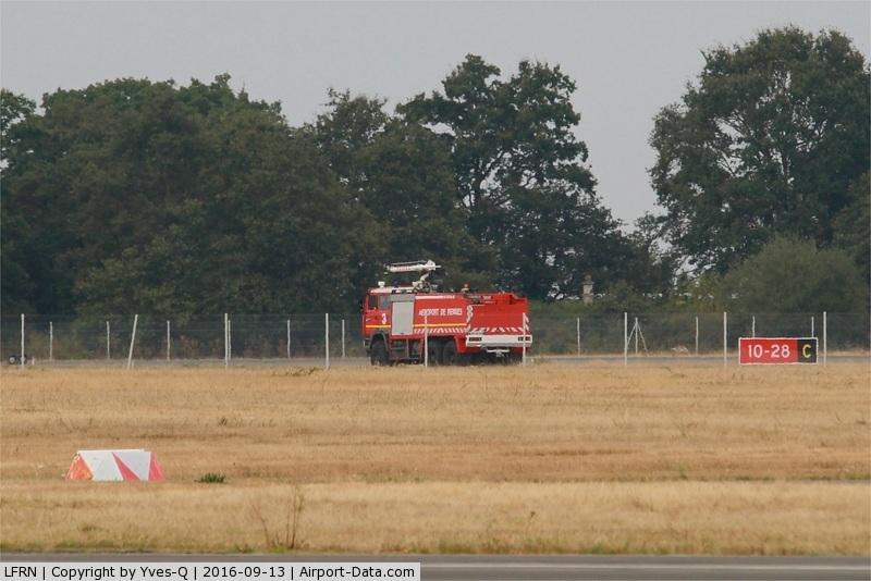 Rennes Airport, Saint-Jacques Airport France (LFRN) - Rennes-St Jacques airport (LFRN-RNS)